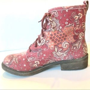 Lucky Boots Red Paisley Swirl November Combat 10